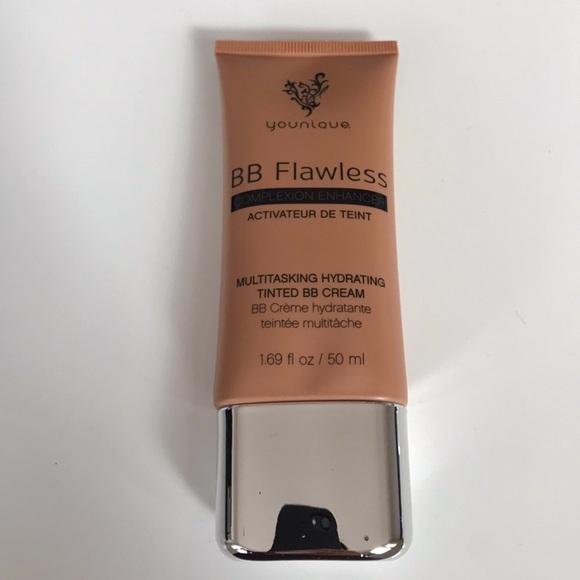 BB FLAWLESS complexion enhancer - Shade Honey